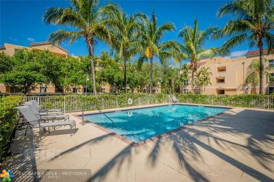 Dania Beach Condo/Townhouse For Sale: 619 E Sheridan St #307