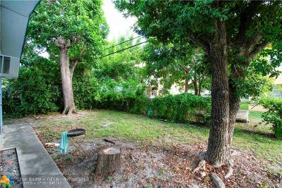 Fort Lauderdale Multi Family Home For Sale: 330 SW 19th St