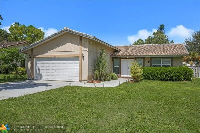 Coral Springs Single Family Home For Sale: 11401 NW 39th Ct