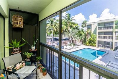 Wilton Manors Condo/Townhouse For Sale: 2450 NE 15th Ave #202