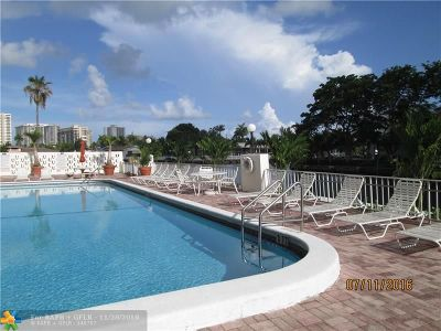 Hallandale Condo/Townhouse For Sale: 401 Golden Isles Drive #314