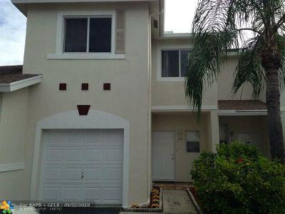Pompano Beach FL Condo/Townhouse For Sale: $255,000