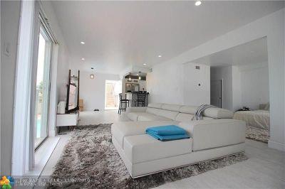 Miami Beach Condo/Townhouse For Sale: 1441 Lincoln Rd #206