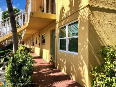 Oakland Park Condo/Townhouse For Sale: 4061 N Dixie Hwy #19
