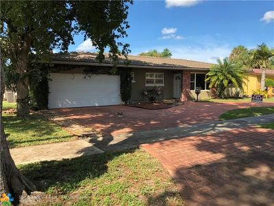 Miami Single Family Home For Sale: 6784 Orchid Dr