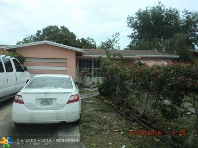 Single Family Home Pending Sale: 820 SW 63rd Ter