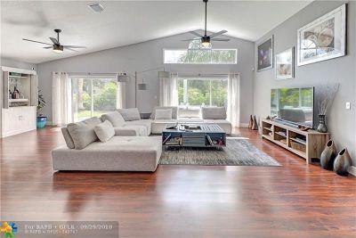 Boynton Beach Single Family Home For Sale: 1317 Fairfax Cir E