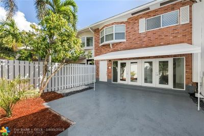 Wilton Manors Condo/Townhouse For Sale: 8 Hathaway Ln #8