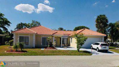 Tamarac Single Family Home For Sale: 4601 Queen Palm Ln