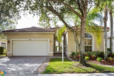 Coral Springs Single Family Home For Sale: 11648 NW 48th St