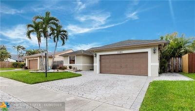 Sunrise Single Family Home For Sale: 1381 SW 151st Ave