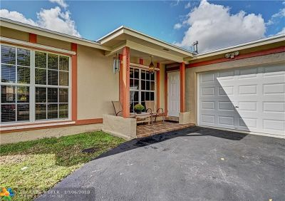 Sunrise Single Family Home For Sale: 12330 NW 29th Pl