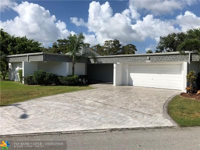 Tamarac Single Family Home For Sale: 4801 Banyan Ln