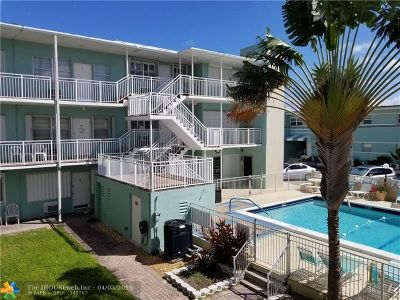 Hollywood Condo/Townhouse For Sale: 1504 S Surf Rd #52