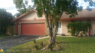 Lauderhill Single Family Home For Sale: 7101 NW 46 Court