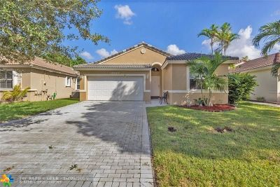 Coral Springs Single Family Home For Sale: 12127 NW 57th St