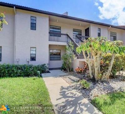 Boca Raton Condo/Townhouse For Sale: 9313 Pecky Cypress Ln #18F
