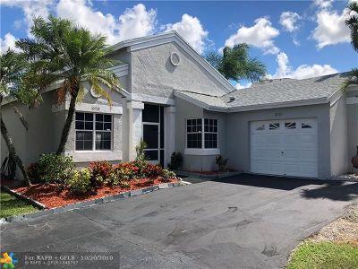 Sunrise Single Family Home For Sale: 10765 Lago Welleby Dr