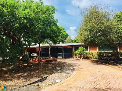 Pompano Beach Single Family Home For Sale: 2425 SE 6th St