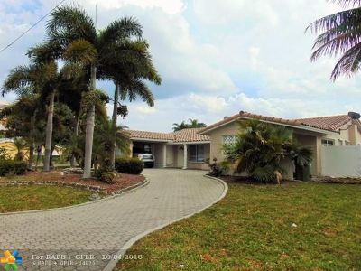 Fort Lauderdale Multi Family Home For Sale: 2820 NE 49th St