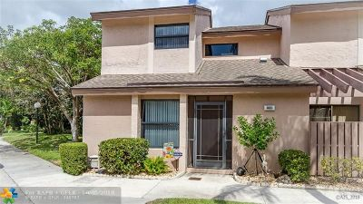 Coconut Creek Condo/Townhouse For Sale: 2651 NW 42nd Ave #2651