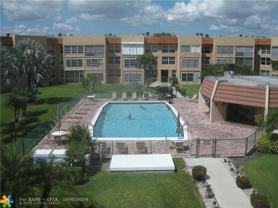 Margate Condo/Townhouse For Sale: 6600 Royal Palm Blvd #307b