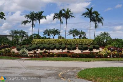 Coconut Creek Condo/Townhouse For Sale: 2504 Antiuga #F-3
