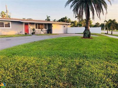 Pompano Beach Single Family Home For Sale: 2600 NE 8th Ct