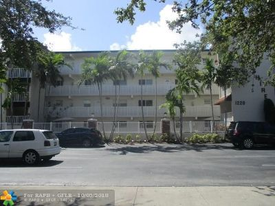 Fort Lauderdale Condo/Townhouse For Sale: 1220 NE 3rd St #201
