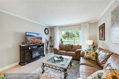 Margate Condo/Townhouse For Sale: 3200 Holiday Springs Blvd #3-108