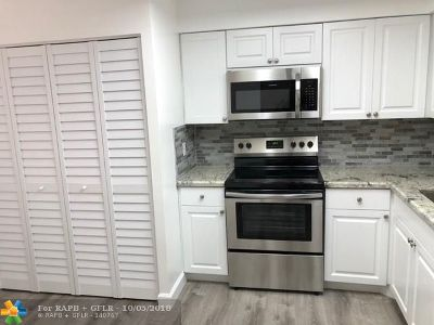 Margate Condo/Townhouse For Sale: 370 NW 76th Ave #304