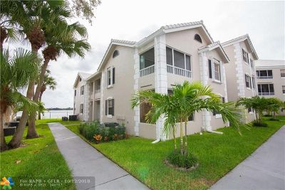 Oakland Park Condo/Townhouse For Sale: 2803 N Oakland Forest Dr #202