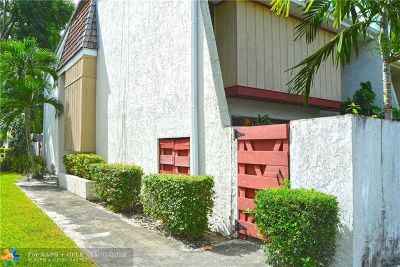 Hollywood Condo/Townhouse For Sale: 3008 Willow Ln #265