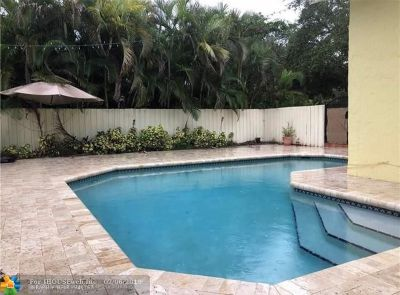 Cooper City Single Family Home For Sale: 4203 E Sailboat Dr