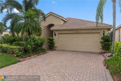 Boynton Beach Single Family Home For Sale: 3906 N Palladium Lake Dr