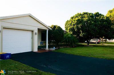 Boca Raton Single Family Home For Sale: 35 Tam O Shanter Ln