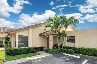 Deerfield Beach Condo/Townhouse For Sale: 3072 Deer Creek Lake Shore Dr #3072