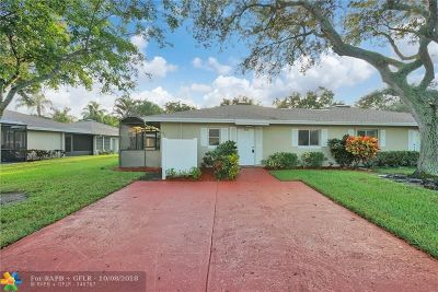 Boca Raton Condo/Townhouse For Sale: 18740 Candlewick Dr #A