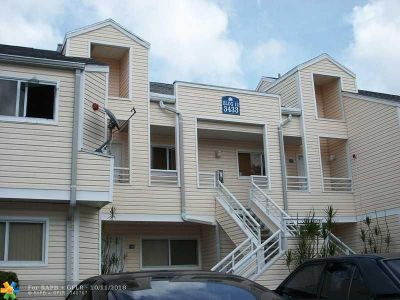 Oakland Park Condo/Townhouse For Sale: 3433 NW 44th St #208