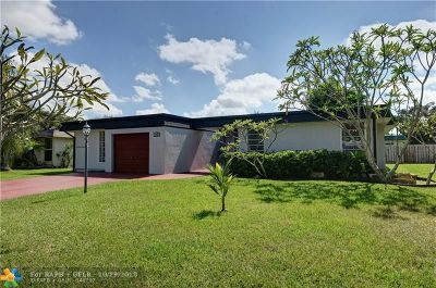 Tamarac Single Family Home For Sale: 7302 NW 64th Ct