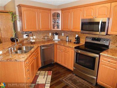 Miami Gardens Single Family Home For Sale: 5266 NW 186 Lane