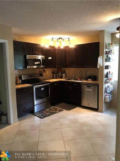 Fort Lauderdale Condo/Townhouse For Sale: 3100 NW 46th St #208
