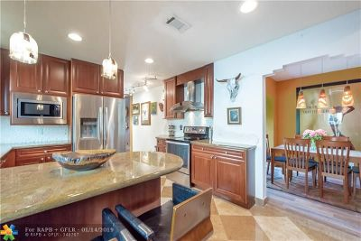 Fort Lauderdale Single Family Home For Sale: 532 NE 12th Ave
