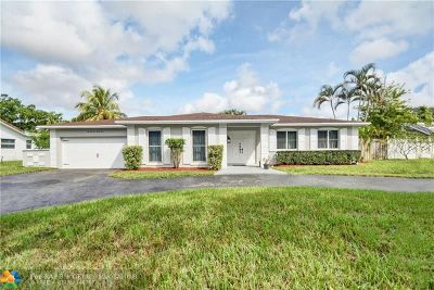 Plantation Single Family Home For Sale: 7131 SW 8th Ct