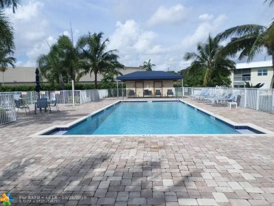 Boca Raton Condo/Townhouse For Sale: 9864 Marina Blvd #925