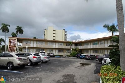 Hallandale Condo/Townhouse For Sale: 26 Diplomat Pkwy #2261