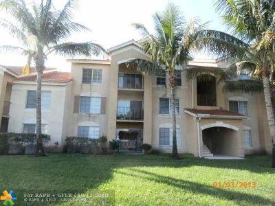 West Palm Beach Condo/Townhouse For Sale: 4200 San Marino Blvd #308