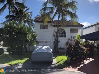 Miami Single Family Home For Sale: 252 NE 212th Ter