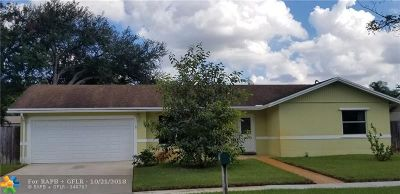 Cooper City Single Family Home For Sale: 5548 SW 119th Ave