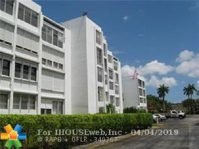 Plantation Condo/Townhouse For Sale: 6903 Cypress Rd #B23